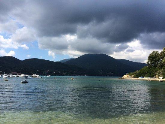 Marciana Marina, Italia: Campo all'Aia. Bellissima Spiaggia.