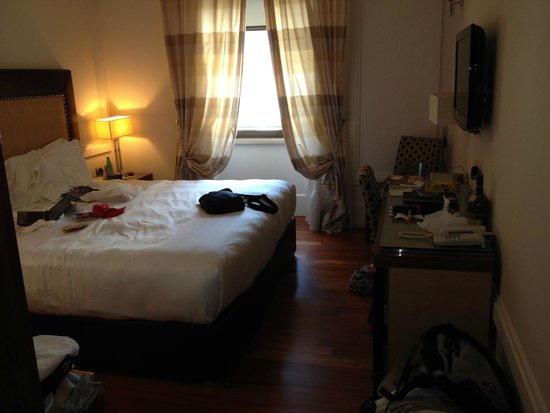 UNA Hotel Roma : The bedroom - ok so its a bit messy now :=)