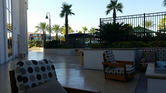 MGM Grand Hotel and Casino: grounds