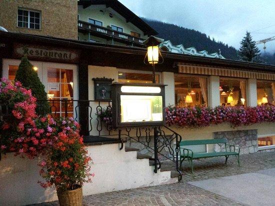 Hotel Schwarzer Adler A la Carte Restaurant: Esterno