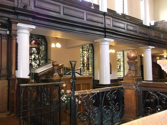 St. Ann's Church: St Ann's church - pews and pillars