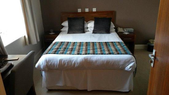 Kirklands Hotel: Very comfy bed
