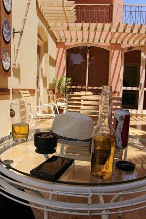 Marina Plaza Hotel Tala Bay : Bar by the Pool