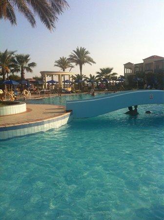 Lindos Princess Beach Hotel: Piscine grandissime