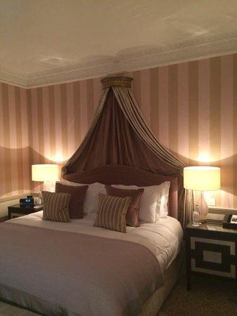 The Royal Crescent Hotel & Spa: amazing bed!!!