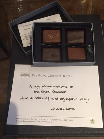 The Royal Crescent Hotel & Spa: chocolate....would be nice to have guest name on card....
