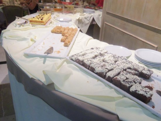 Hotel King Saron : une petite partie des desserts
