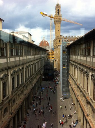 Galerie des Offices : Piazzale degli Uffizi