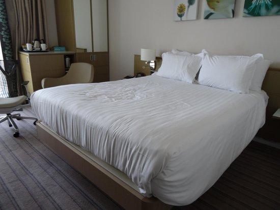Hilton Garden Inn Glasgow City Centre: NICE COMFORTABLE BED