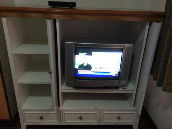 very old tv: fo...