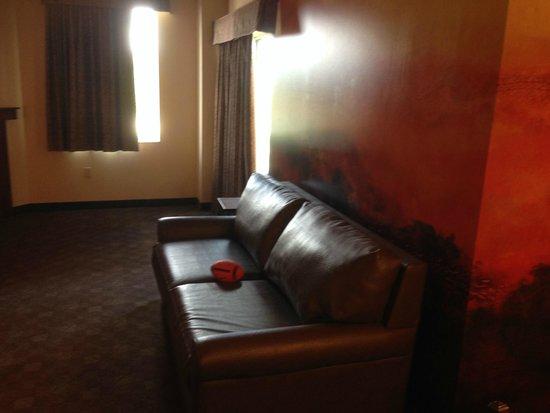 Kalahari Resorts & Conventions: living room2