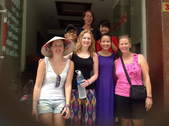 Hanoi Rendezvous Hotel: Nhung Pham with Jane, Kat and Bel