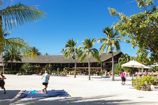InterContinental Moorea Resort & Spa : Hotel rooms on the beach