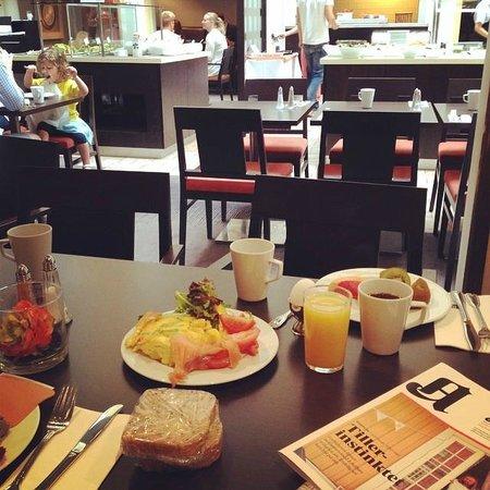 Scandic Victoria: Deilig frokost med Aftenposten.