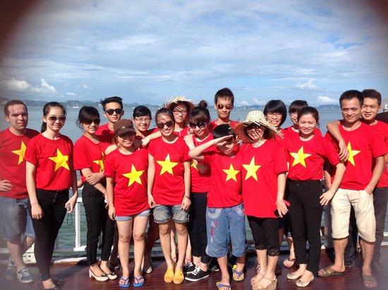 Hanoi Rendezvous Hotel: Rendezvous Team in Ha Long Bay
