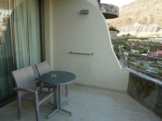 Paradise Valle Taurito: Balkon mit Tisch und 2 Stühle