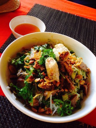 Yen's Restaurant: One of my favourite meals in Vietnam. Loved this restaurant!
