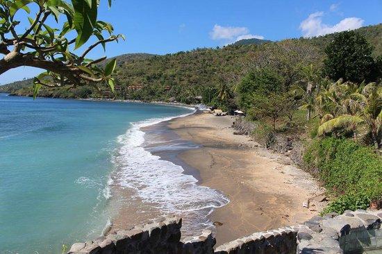 Bali Bhuana Beach Cottages: Lipah Bay (resort at bottom part)