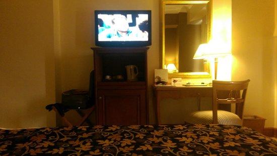 Arion Swiss-Belhotel Kemang Jakarta: regular room, very spacious
