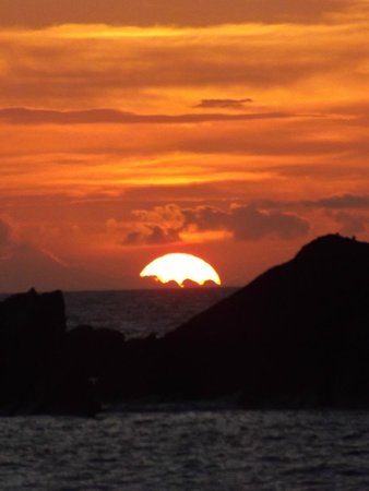 Watermouth Valley Camping Park : Sunset from nearby Hele beach
