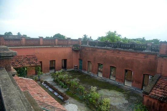 Itachuna Rajbari: Bairer Mahal