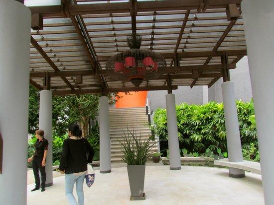 The Houben Hotel : reception entrance.