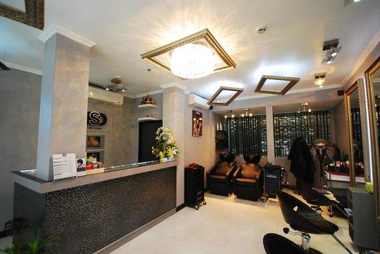 Chaydon Bangkok: Salon