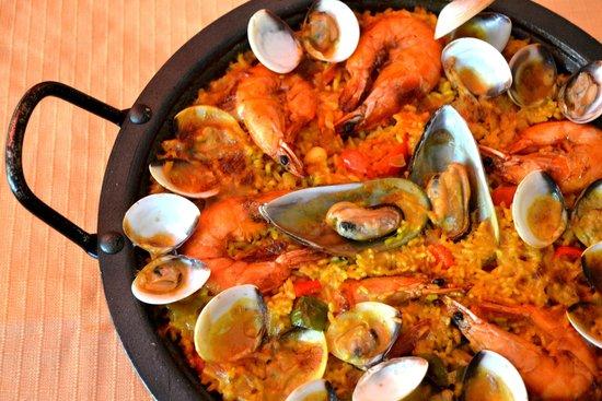 Mediterraneo Spanish & Italian Restaurant : Seafood Paella!