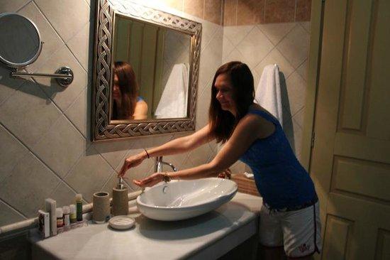Casa Moazzo Suites & Apartments: Ванная комната...