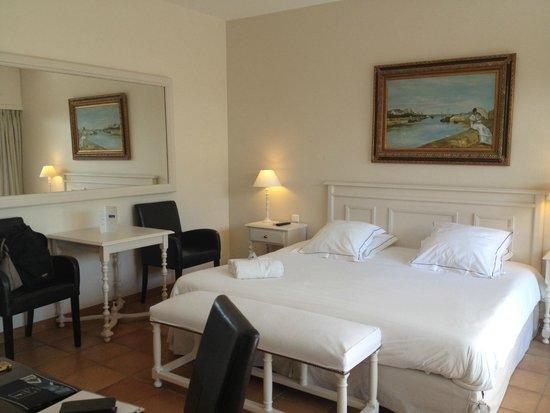 Hotel Les Bories & Spa : la chambre avec un lit KING size!