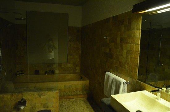 Bracha Villas Bali: Salle de bains