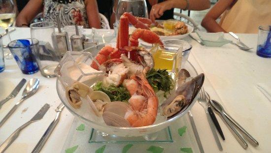 The Crown Villas at Lifestyle Holidays Vacation Resort: seafood aquarium