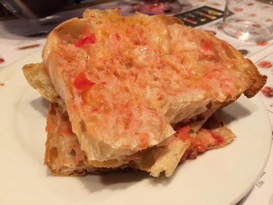 Spanish Trails Day Tours and Events : yummy tomato bread Catalan style