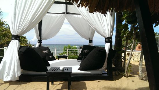 The Crown Villas at Lifestyle Holidays Vacation Resort: deja view beach