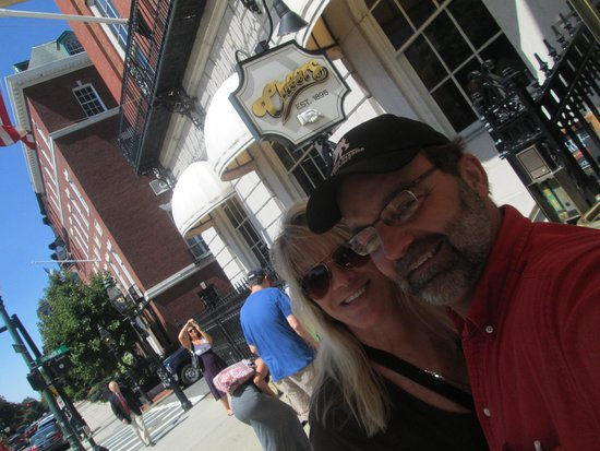 Cheers Beacon Hill: outside