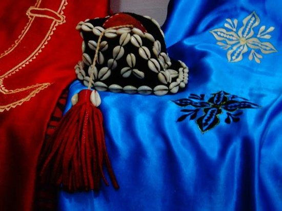 Essaouira Urban Adventures: Gnaoua Hat and robes