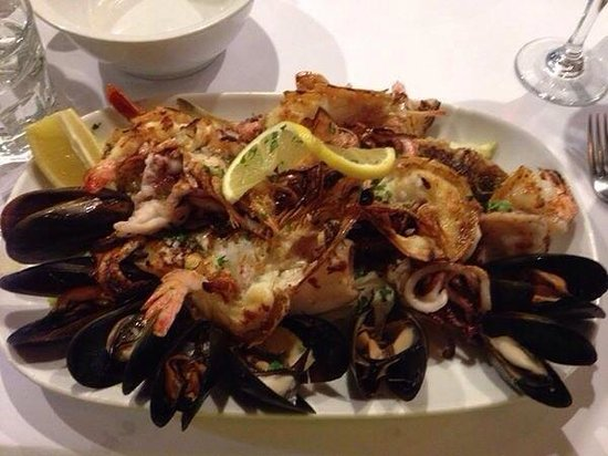 La Botte D'Oro: Mixed Seafood Grill