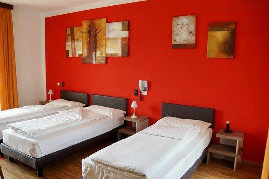 Hotel Garni Ischia: Our room