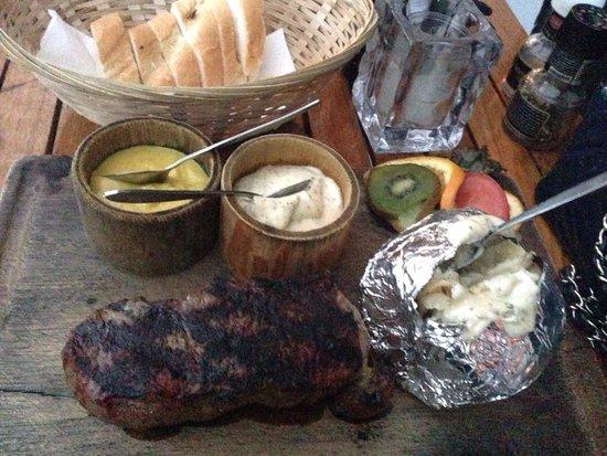 Barbeque Castell : Le steak Gaucho 24€ très dur malgré une cuisson saignante.