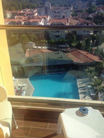 Club Alpina Apartments Hotel: 5th floor balcony view ��