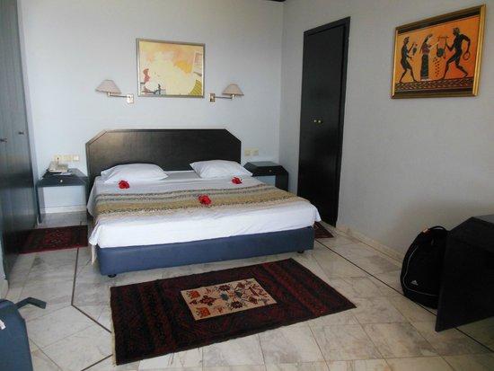 Creta Star Hotel : Chambre principale