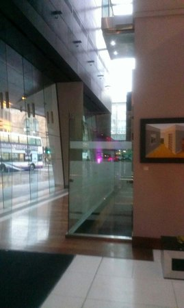 Radisson Blu Hotel, Glasgow : Glass lift