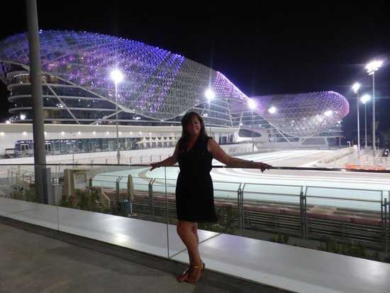 Yas Viceroy Abu Dhabi: A wee walk outside