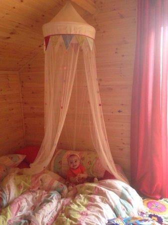 Battlebridge Caravan & Camping Park : Sarah Jane loving the canopy