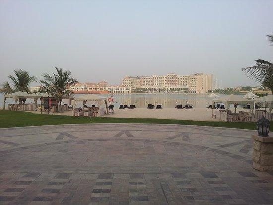 Traders Hotel, Qaryat Al Beri, Abu Dhabi: Beach area.
