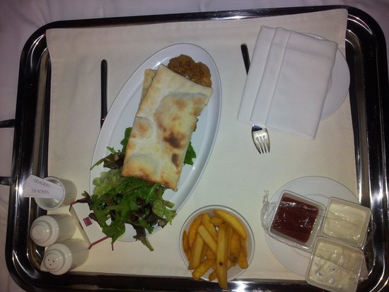 Traders Hotel, Qaryat Al Beri, Abu Dhabi: Room service.