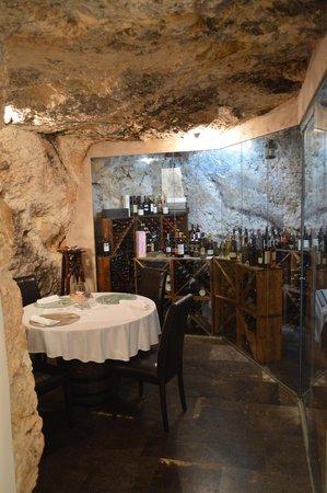 Vacanze Modicane Il Ristorante: Sala Riservata in cantina
