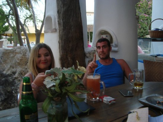 Gorgona Studios Apartments: ENJOYING DRINKS