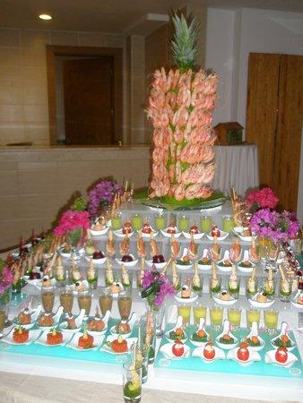 PURAVIDA Resort Seno: Kleiner Bereich der Vorspeisen beim White Dinner