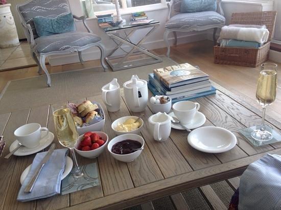 Boskerris Hotel : Excellent 'Bubbly' Cream Tea